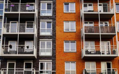 Demandar la posesión de una vivienda ocupada sin acudir antes a la acción hipotecaria vulnera derechos del deudor